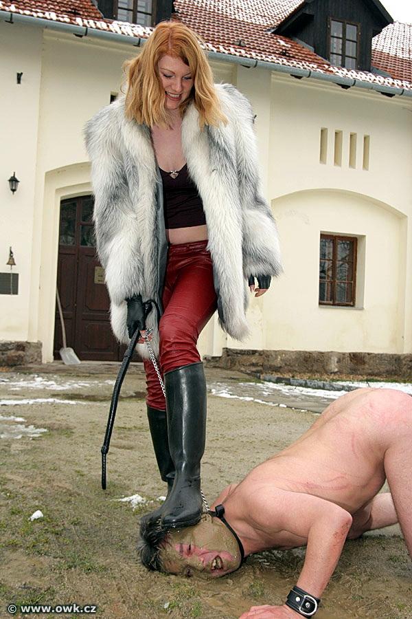 копро госпожа, туалетный раб, золотой дождь, писает в рот ...